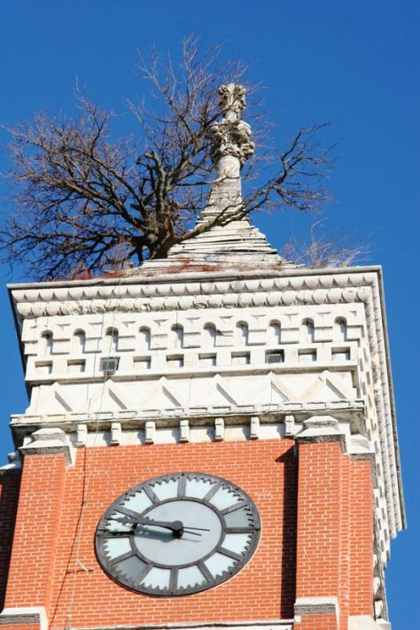 Greensburg-tower-tree4