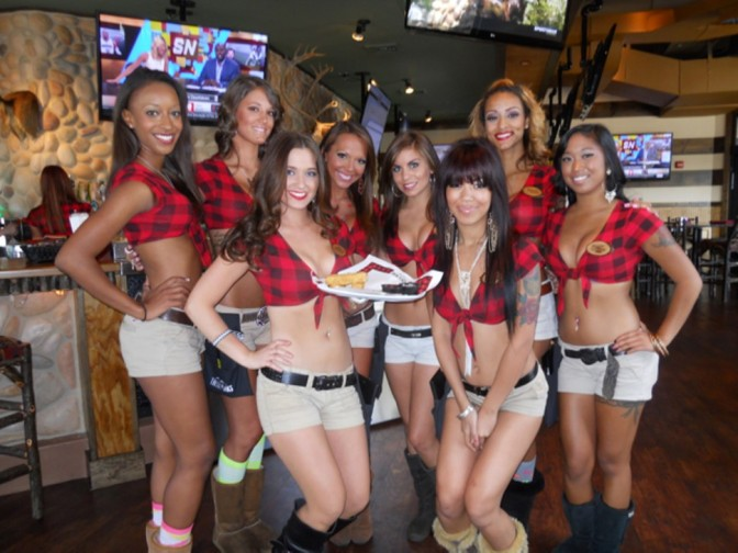 "Battle of the ""Breastuarants"" Twin Peaks Coming To Indy"